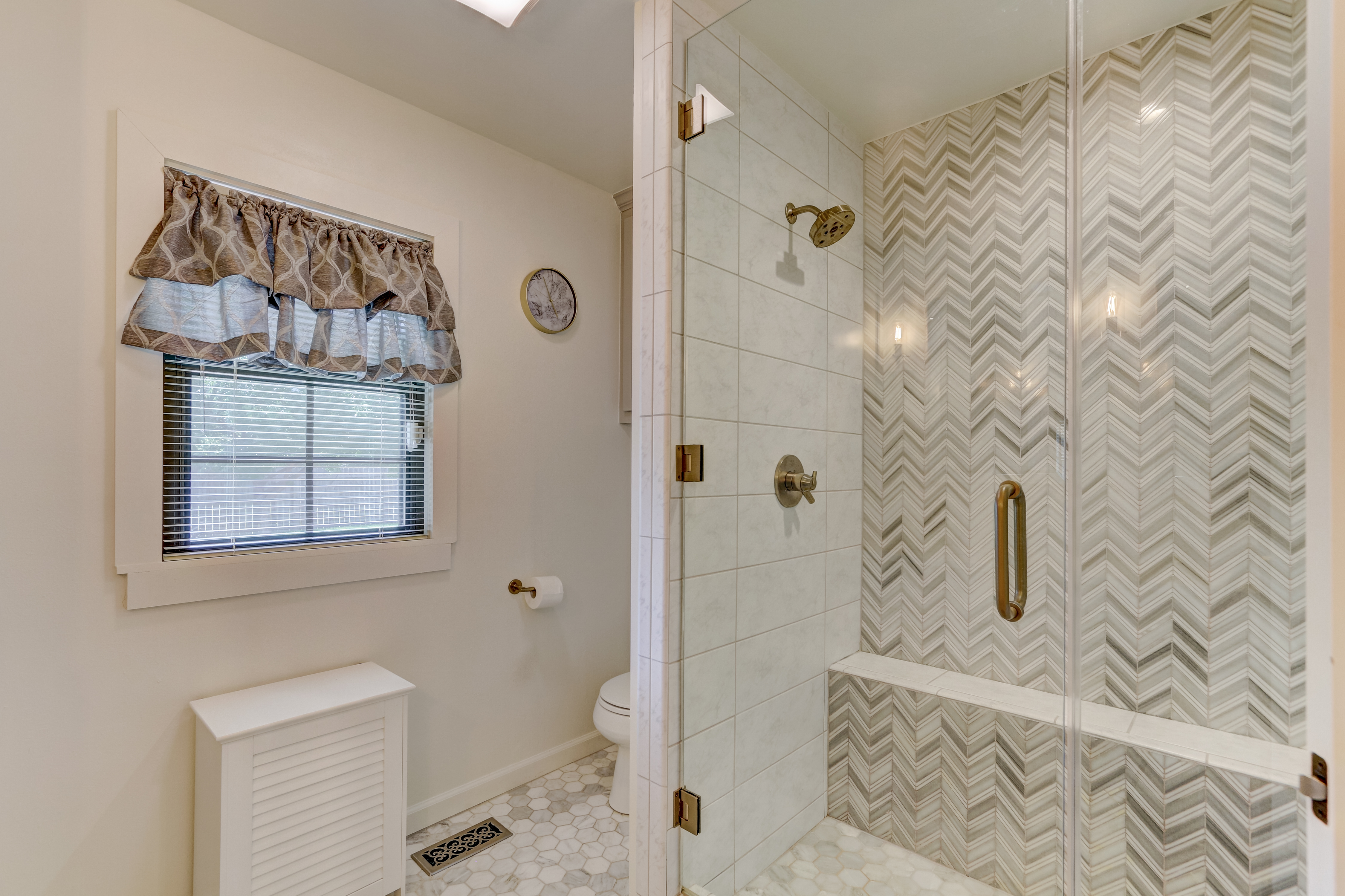 30_8617 greystone avenue, the village, o