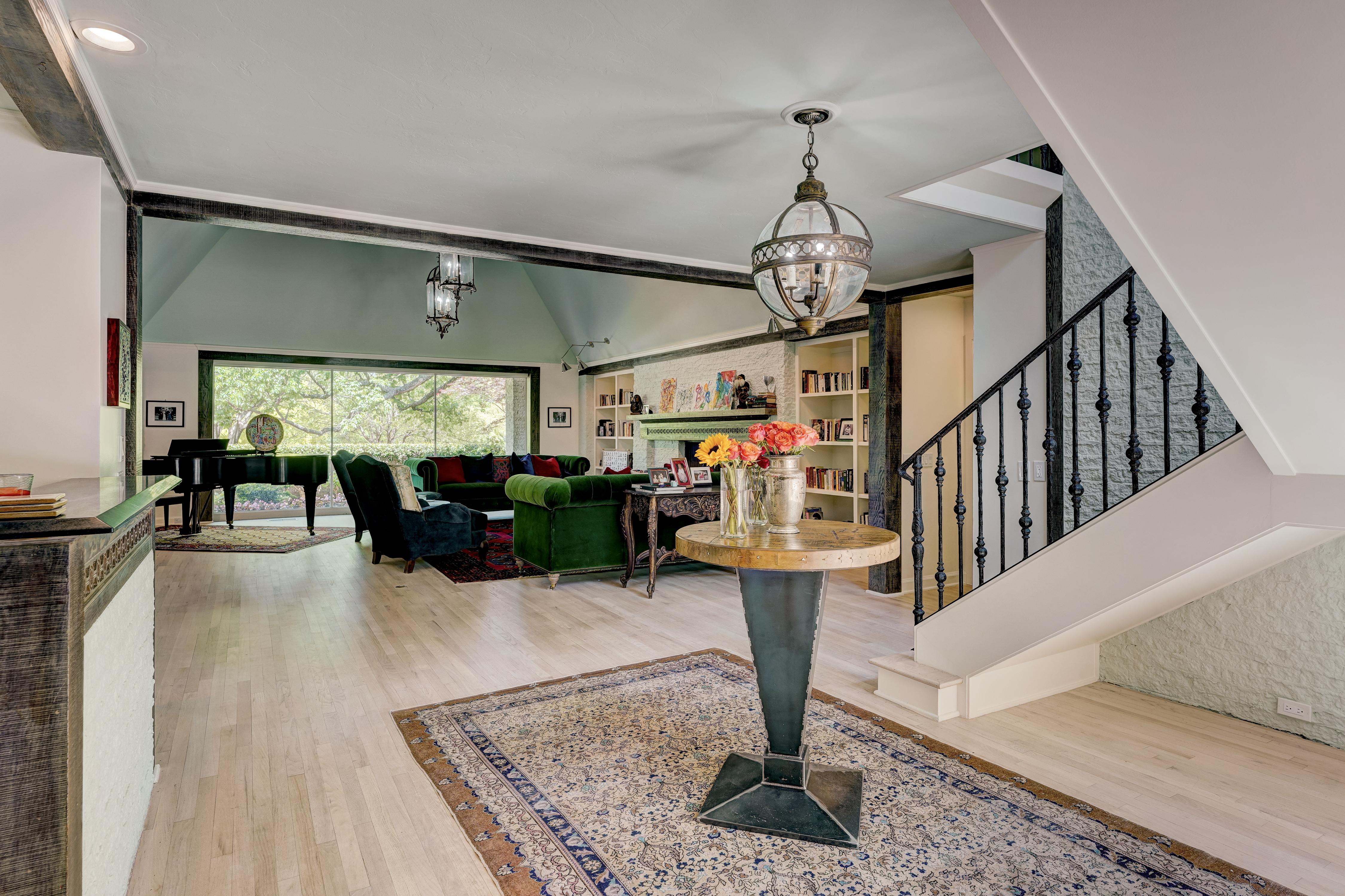Open area + living area