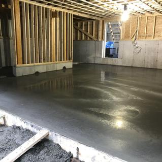 garage floor.HEIC