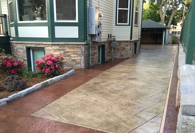 slate%20driveway%20with%20chiseled%20sto