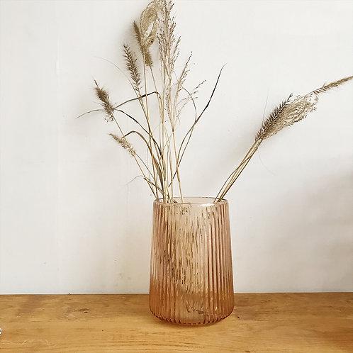 Vase strié en verre