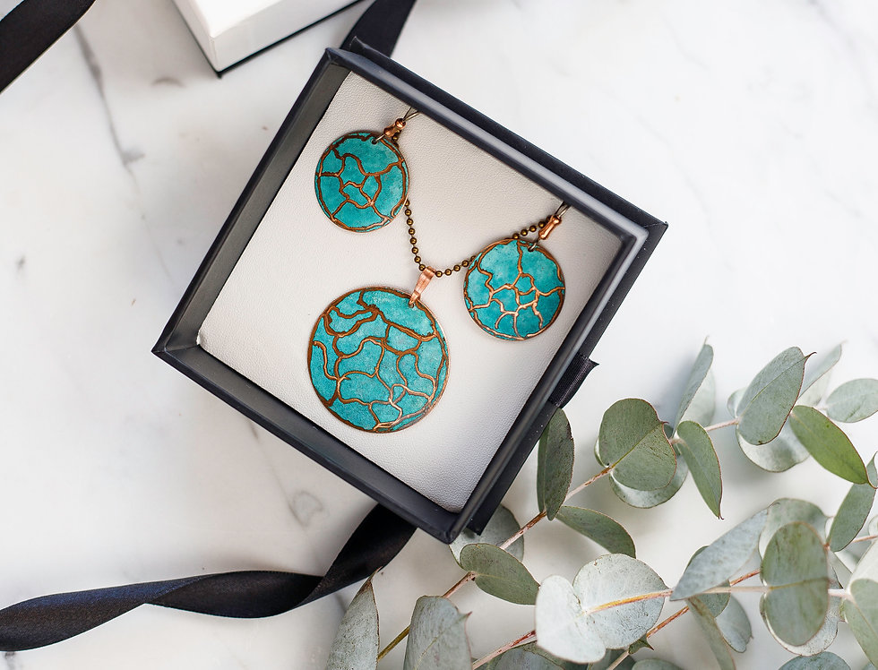 Set -Unique Copper Pattern Necklace & round Earrings