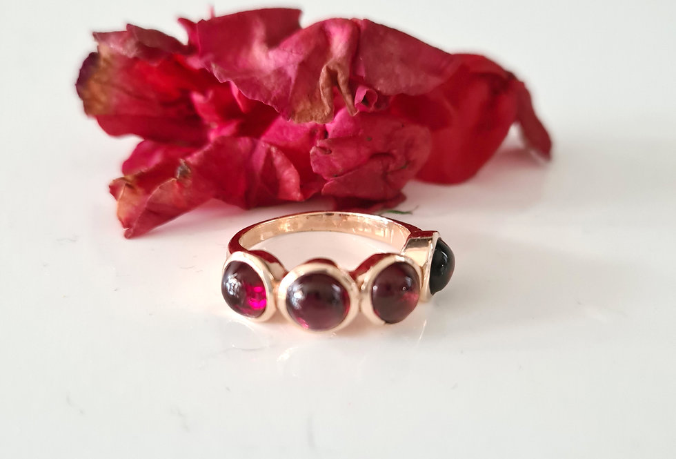 Ring - Garnet Rose Gold