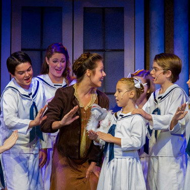 The Sound of Music, Showpalace Dinner Theater