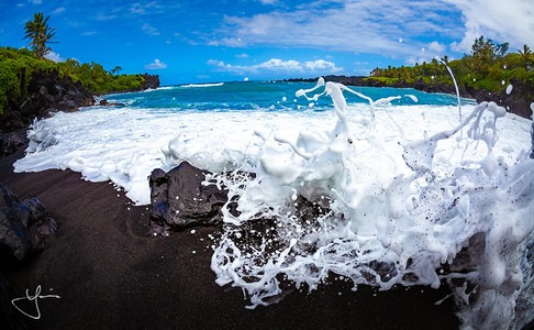 Black Sand Splash