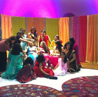 Mehndi_party-bridesmaids-Sangeet.jpg