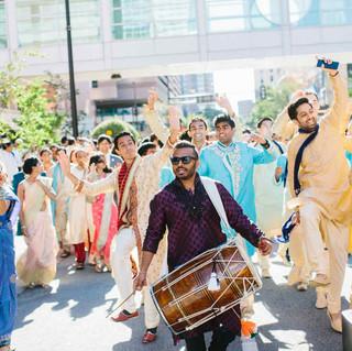 Indian-Baraat-Parade-dhol-player.jpg