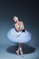 portrait-of-the-ballerina-in-ballet-tatu