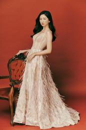 PHOTOGRAPHY / MOSQUITOYAO 蚊子 WEBSITE / www.mosquitoyao.com MAKE UP / HAIR STYLE/ Kiki.Yeah stylist WEDDING DRESS / S。SPOSA 高級手工訂製婚紗