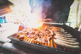 BBQs und Ofyr-Gerichte