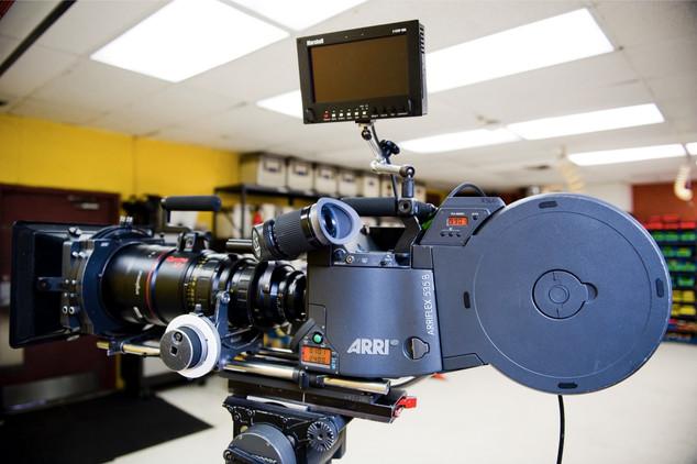 Film Cameras_17_res (43).jpg