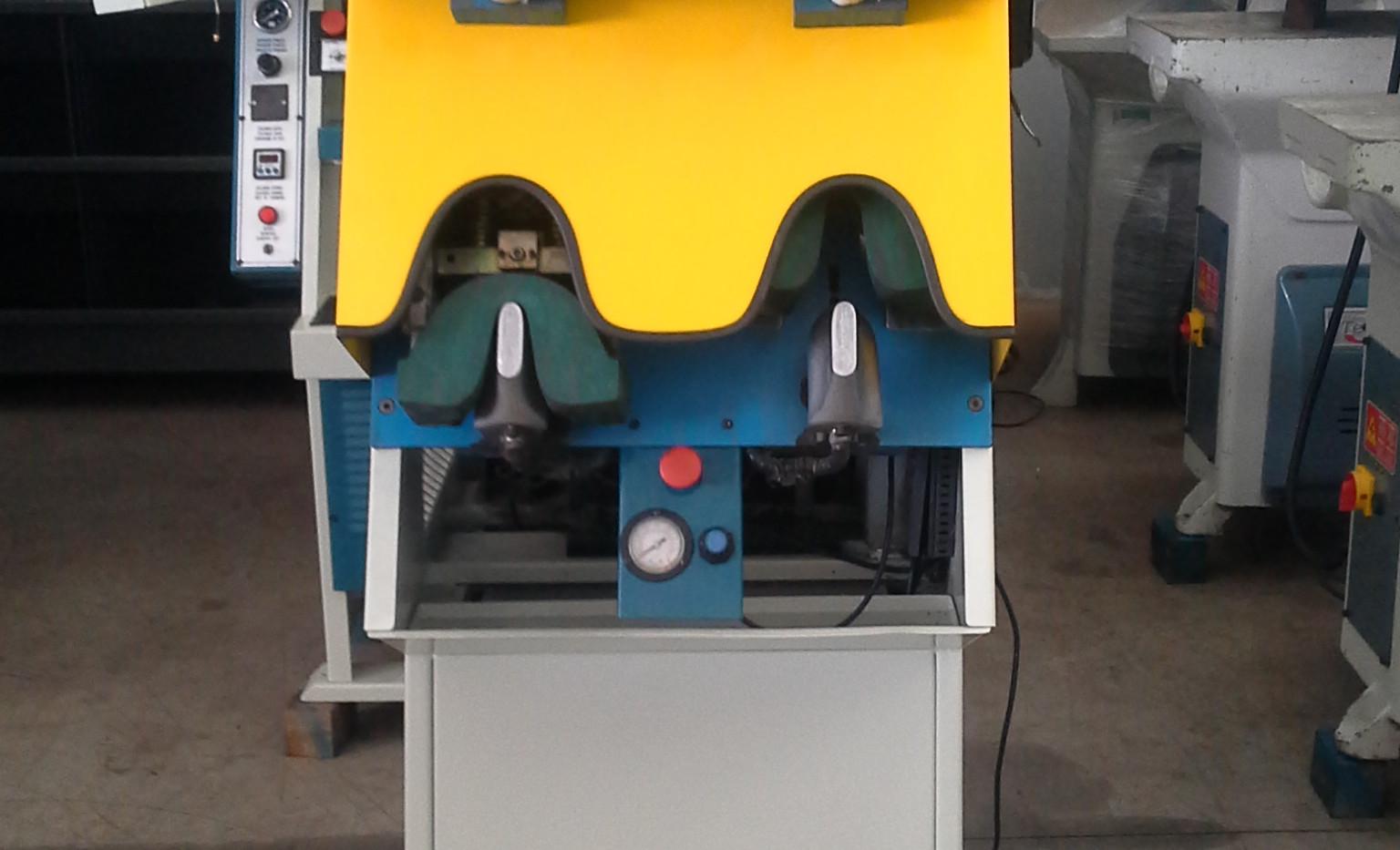 Máquina de Moldar Contra Forte Mod. MB-108