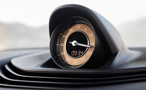Porsche-Taycan-interior5.jpg