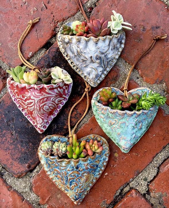 succulent-heart-pocket-planters-group-sh