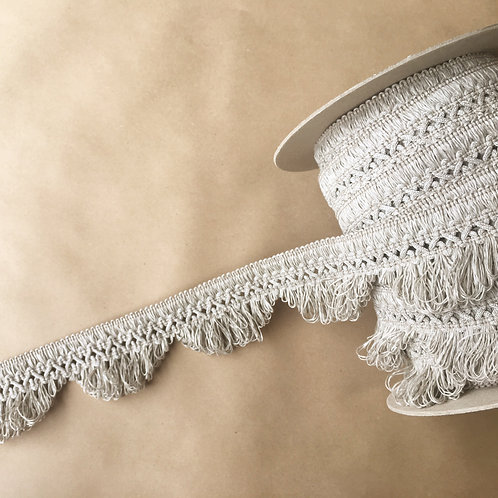 Fringe | 3 in scalloped lace fringe, outdoor linen