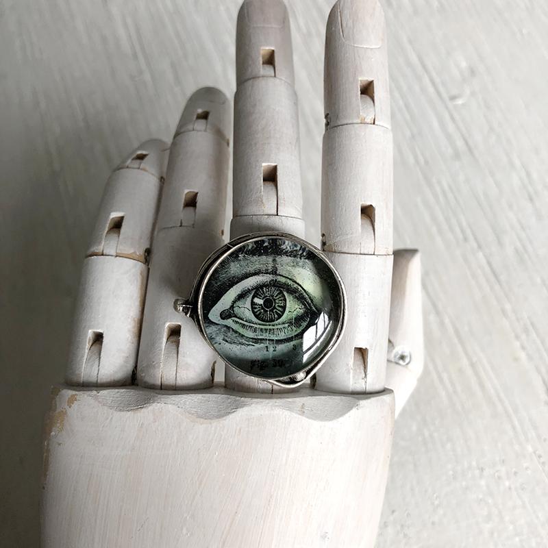 Eye Ring in green