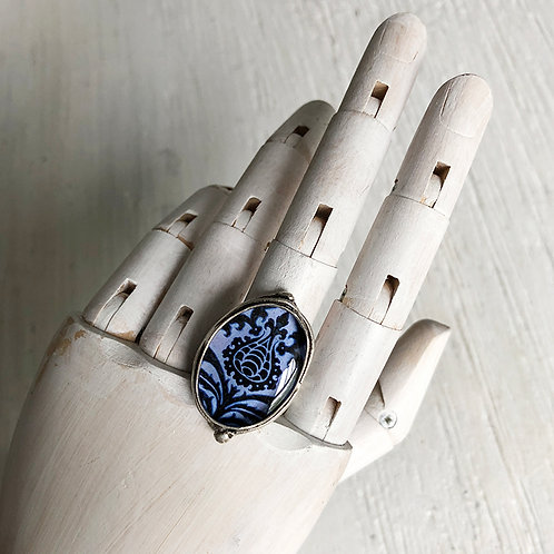 Ring - Blue Victorian Design, Small Oval