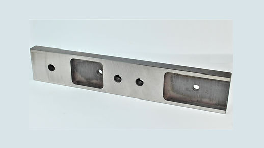 Anti-Rise Wear Plate for Amada 400 Series Band Saws