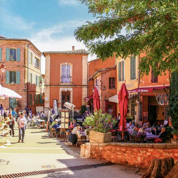 Le village de Roussillon (à 29km)