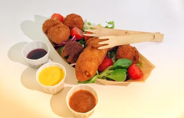 Wens je onze Foodtruck bij jou bedrijf voor de lunch?