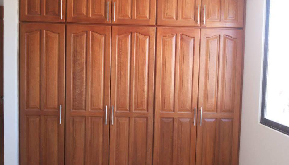 closet en madera.jpeg