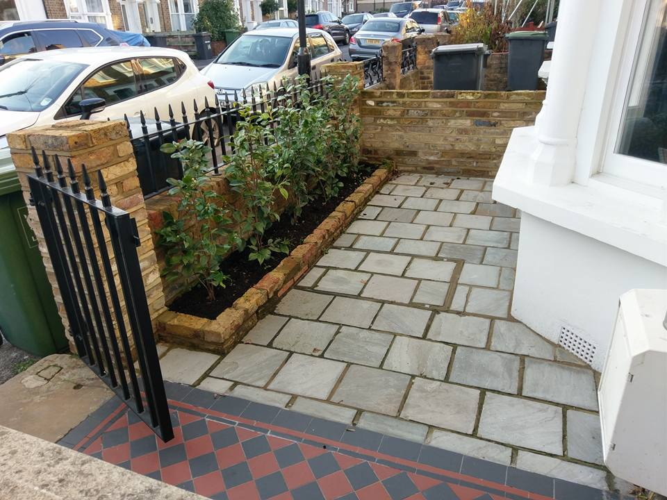 darfield rd front gdn bed and pave