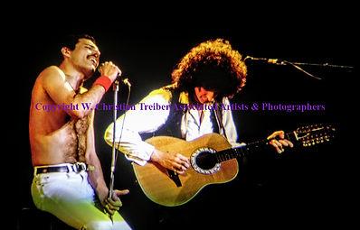 Queen  Fredddy Mercury & Brian May.jpg