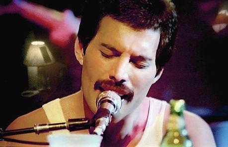 Freddie%20Mercury%20%2011X8_edited.jpg