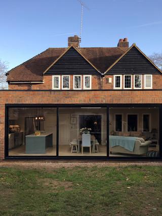 Contemporary single storey extension in Farnham
