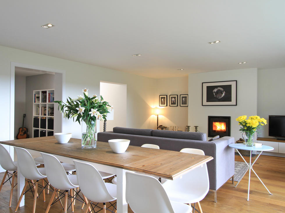 Modern dining room extension to a house in Haslemere