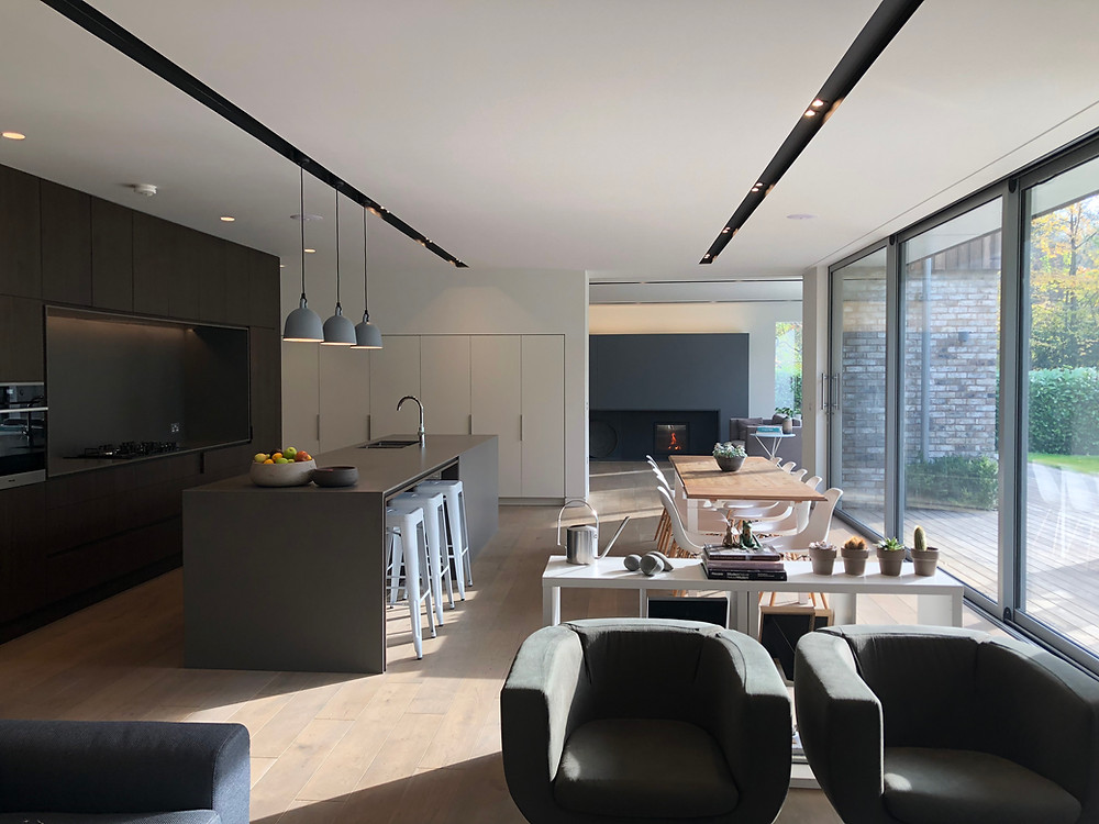 Open plan living kitchen & dining. Modern interior architecture in Haslemere, Surrey