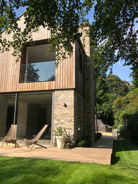 Modern house in Surrey with BEA Majestic bricks & Kebony timber cladding