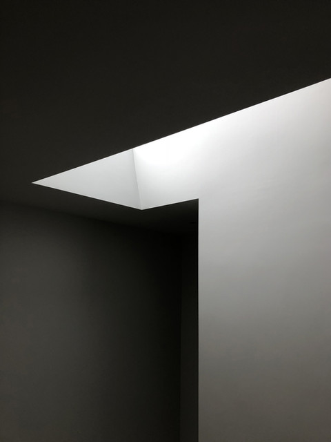 Light and shadow of modern Surrey house