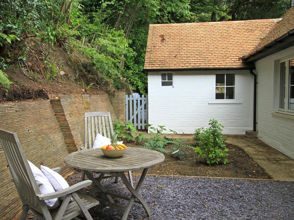Surrey courtyard renovation