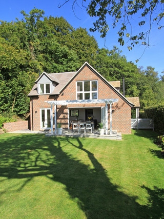 Contemporary extension & renovation in Haslemere