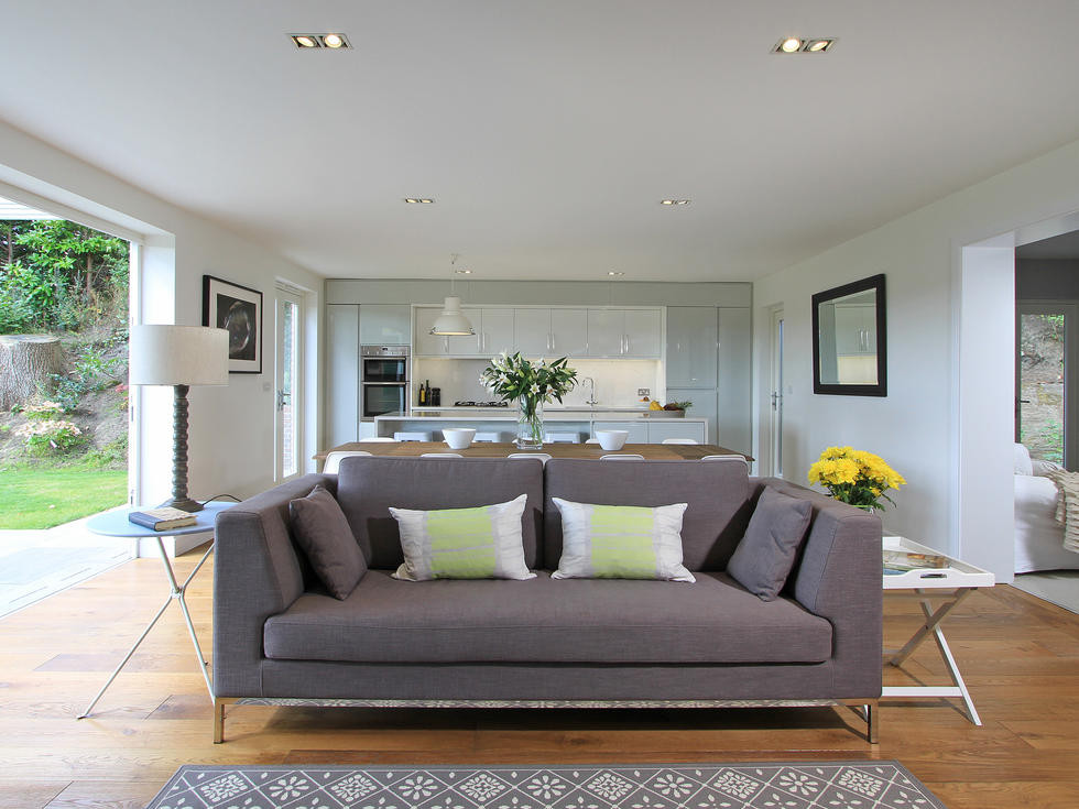 Contemporary interior living room Haslemere by Vint & Smith
