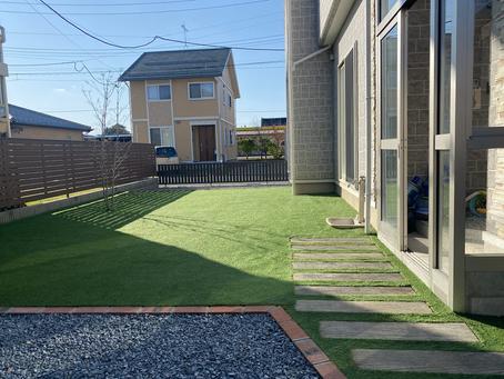 外構・お庭の工事(人工芝完成)