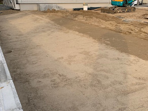 工事日誌Vol.4 芝はり前の砂敷き詰め作業