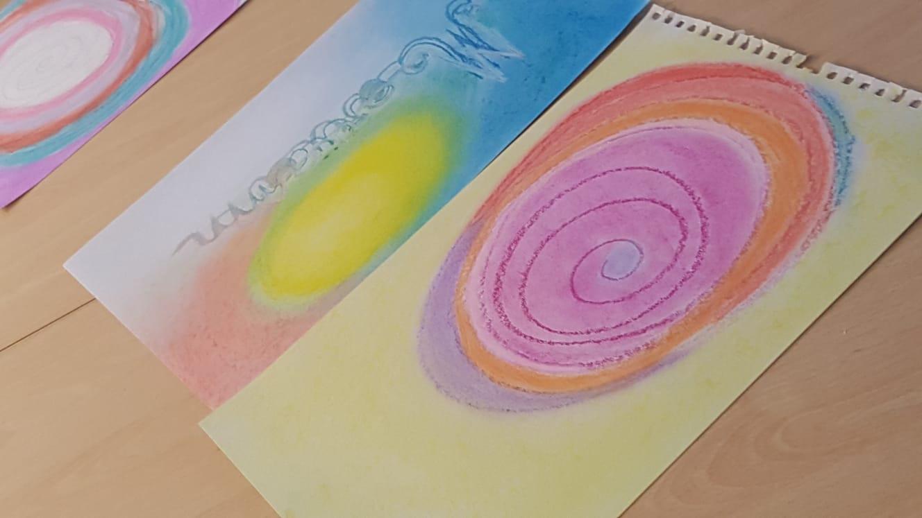 dessin d'art thérapie en groupe