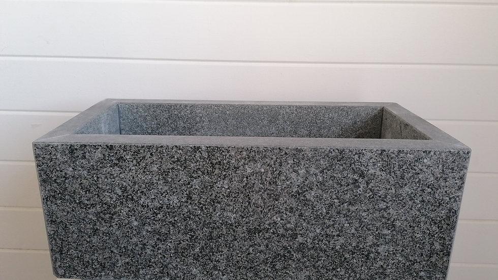 handgefertigter Blumentrog Granit hell
