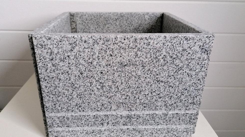handgefertigter Blumentrog Granit