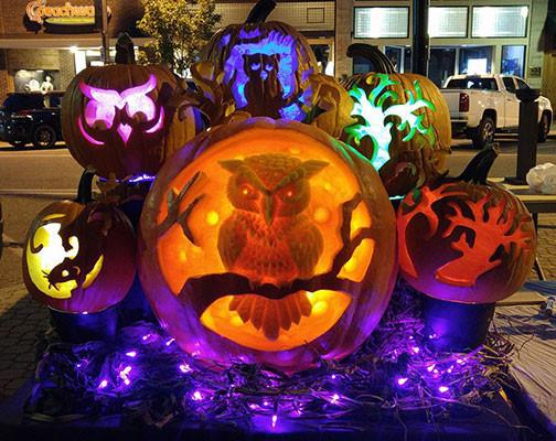 Pumpkin-Carving-Lighted-Owl-Display.jpg