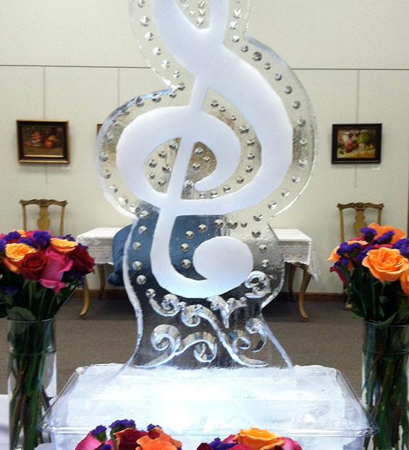 G Cleft Ice Sculpture