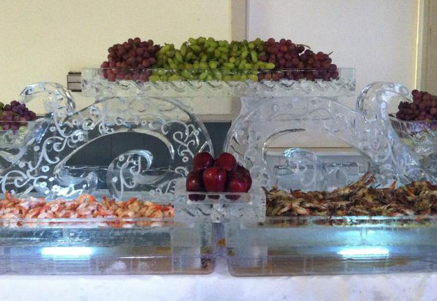 Tiered Swirl Base Food Ice Display