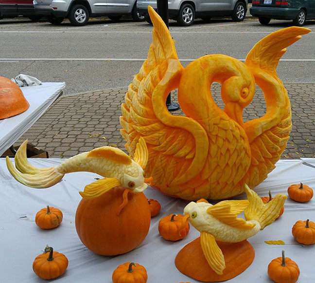 Pumpkin-Carving-Swan.jpg