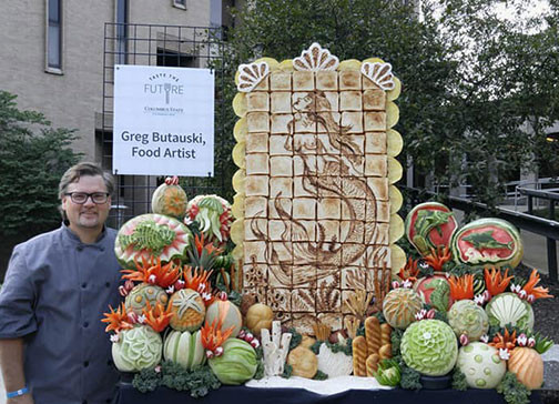 Toast Art and Fruit Carving