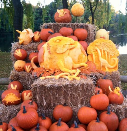 T-Rex Pumpkin Display