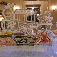 Food-Ice-Display-Happy-Holidays-Train-wi