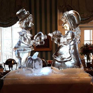 Thanksgiving-Ice-Sculpture-Pilgrams.jpg