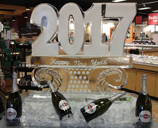 Ice-Sculpture-2017-Happy-New-Year-on-Cur